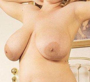 gigantiske bryster sex klinik